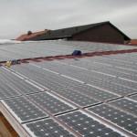 Dach mit integriertem Photovoltaiksystem